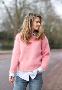 Clochet_streetstyle_london_fashion_week_bimbalola_pink_mohair_knit-9