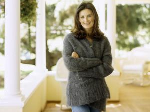 demi-moore-cosy-sweater-wallpapers_31241_1600x1200