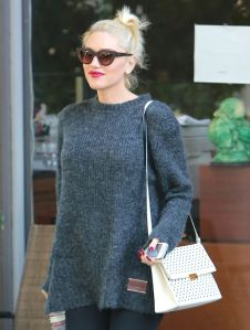 gwen-stefani-out-in-los-angeles_12