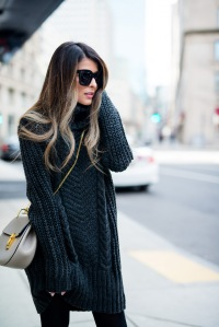 hm-turtleneck-sweater-dress-club-monaco-buckle-knee-high-boot-celine-sunglasses-grey-chloe-drew-bag-black-tights-11-copy