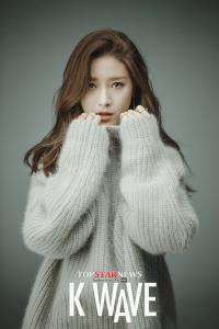 Kim-So-Eun-KWave-Magazine-October-2015-Photoshoot-Fashion-4