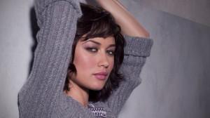 Olga-Kurylenko-Sweater-1080x1920