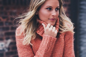 orange-chunky-knit-turtleneck sweater (3)