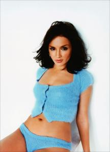 rachael-leigh-cook-wearing-blue-sweater-shorts-rachael-vw-1009457930