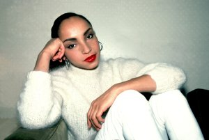 sade-turtleneck-muses-21
